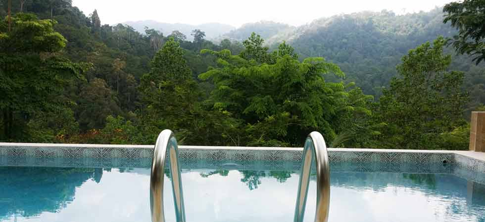berembun-hills-view-from-deserenity-pool